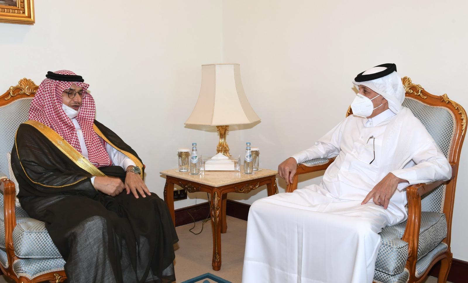 وزير الدولة للشؤون الخارجية يجتمع مع السفير السعودي