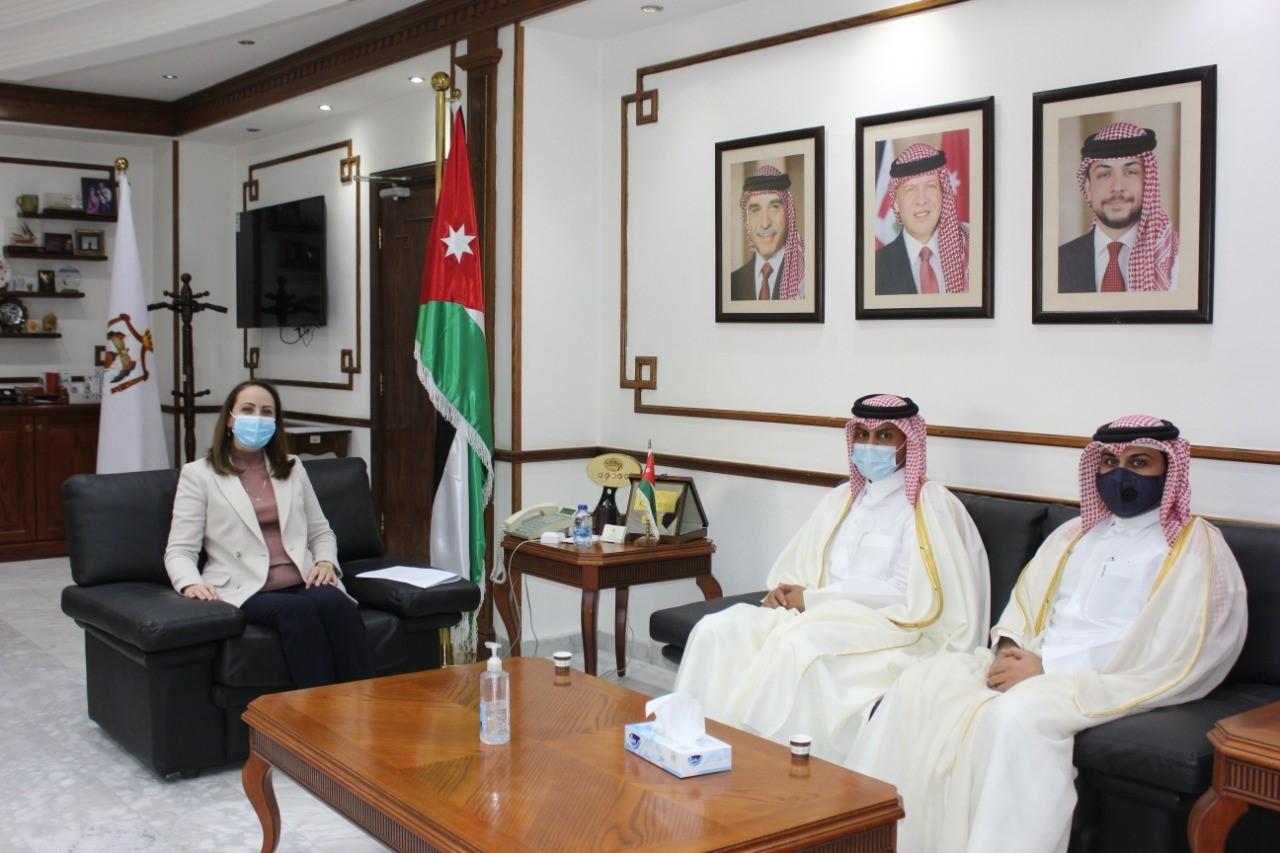 وزيرة الصناعة والتجارة والتموين الأردنية تجتمع مع سفير دولة قطر