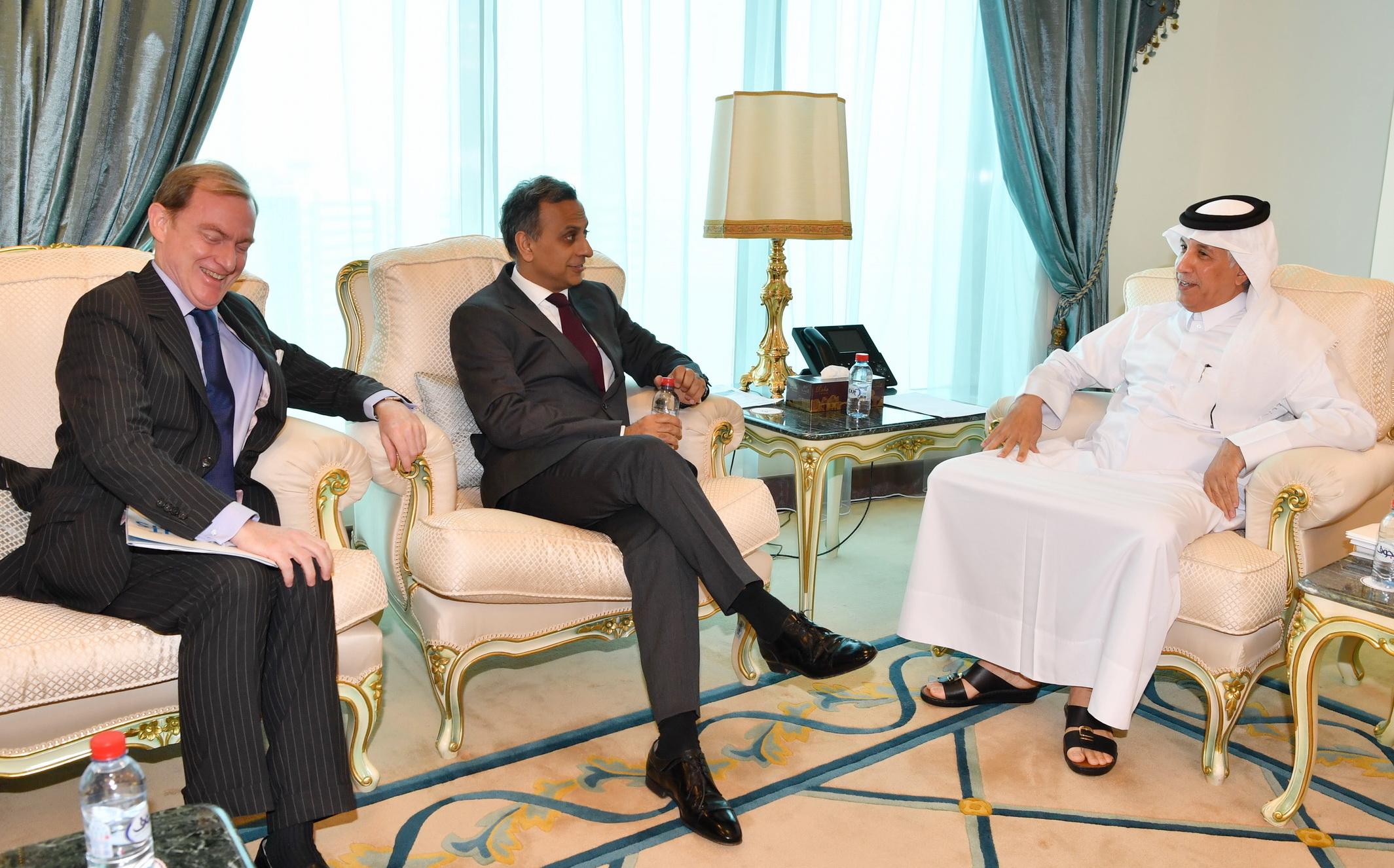 وزير الدولة للشؤون الخارجية يجتمع مع سفراء بريطانيا وفرنسا والقائم بالأعمال الألماني