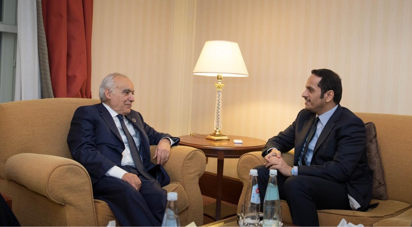 نائب رئيس مجلس الوزراء وزير الخارجية يجتمع مع المبعوث الأممي الخاص إلى ليبيا