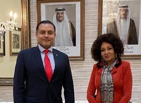 وزيرة السياحة في جنوب أفريقيا تجتمع مع سفير قطر