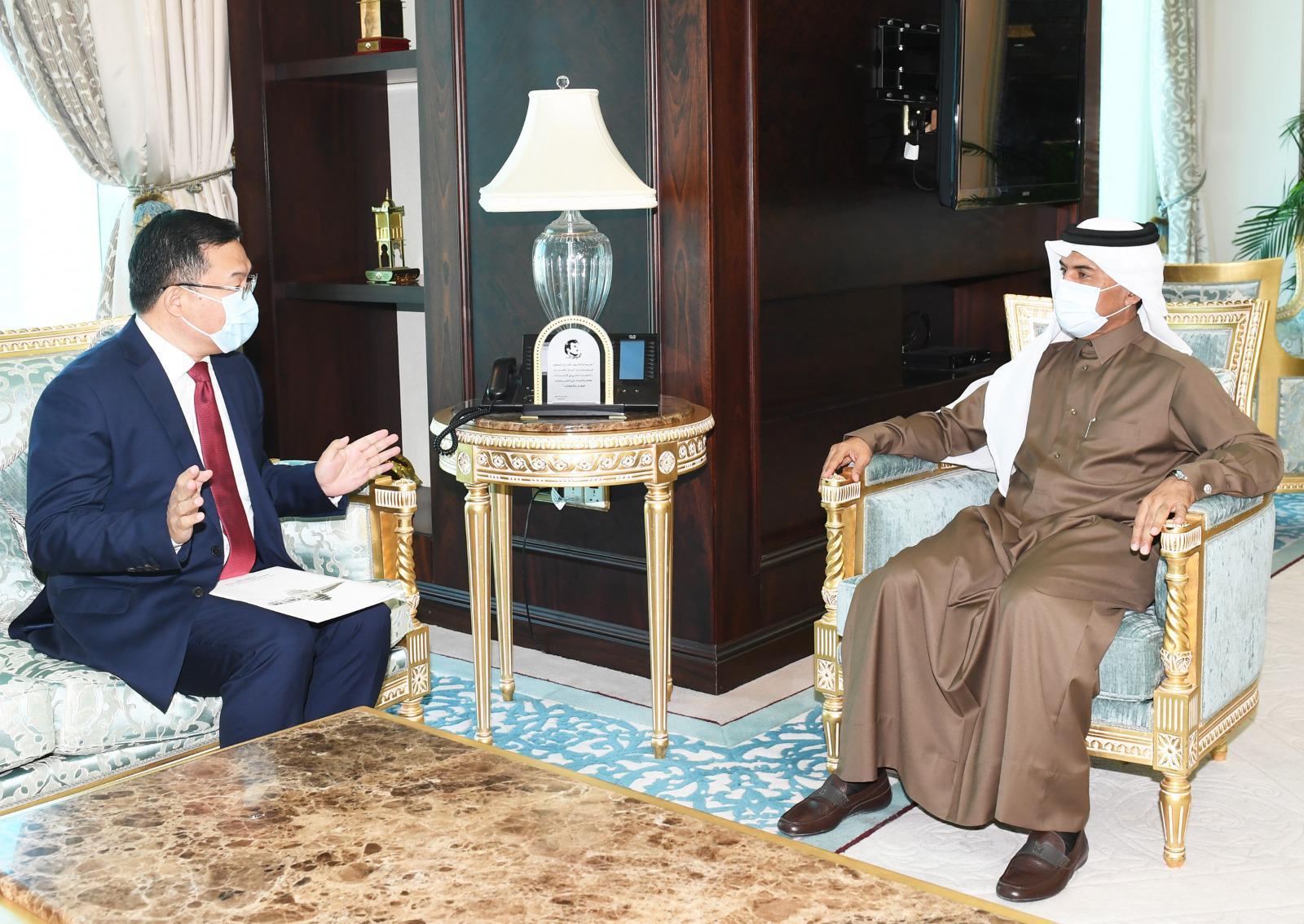 الأمين العام لوزارة الخارجية يجتمع مع السفير الصيني