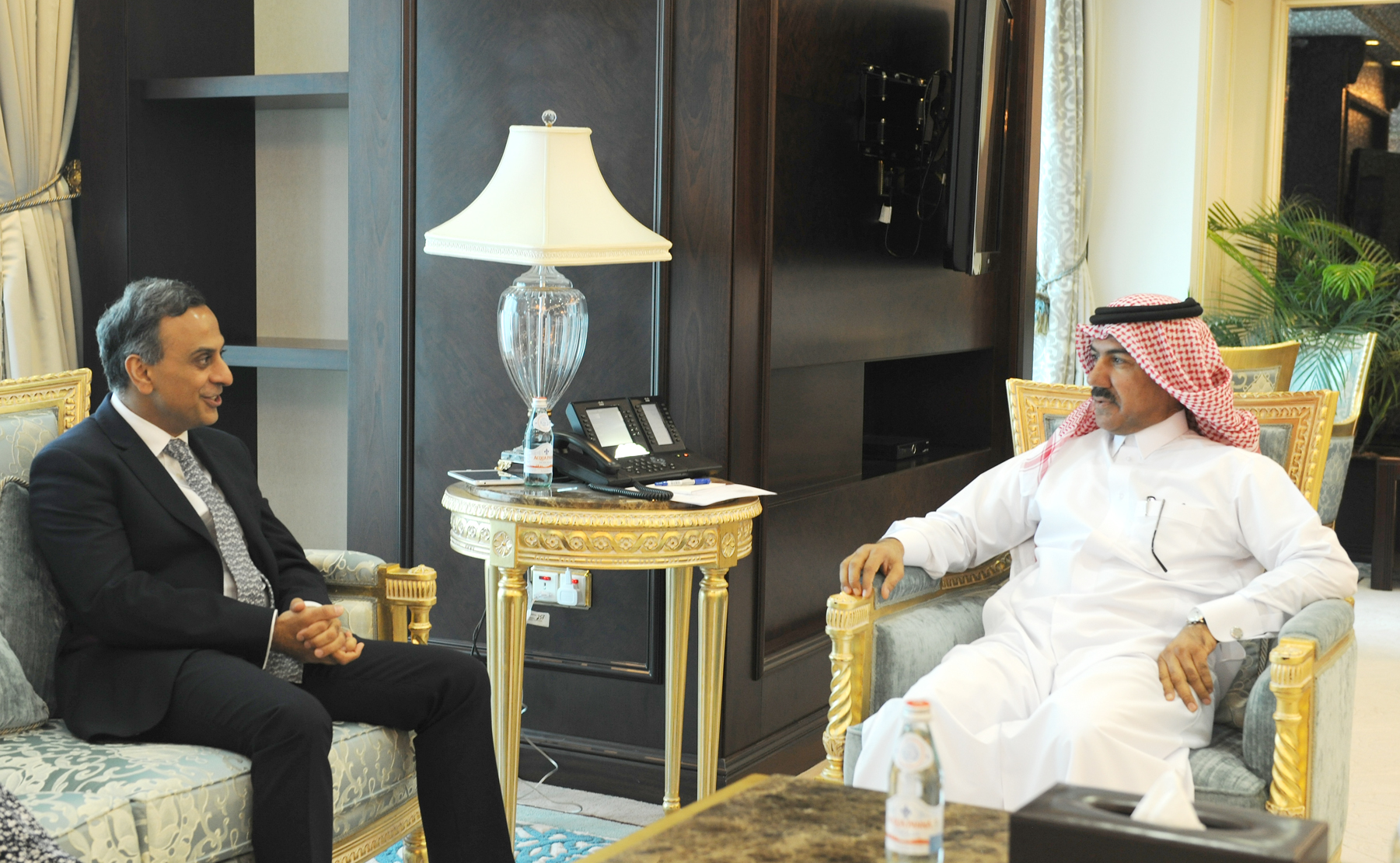 الأمين العام لوزارة الخارجية يجتمع مع سفير المملكة المتحدة
