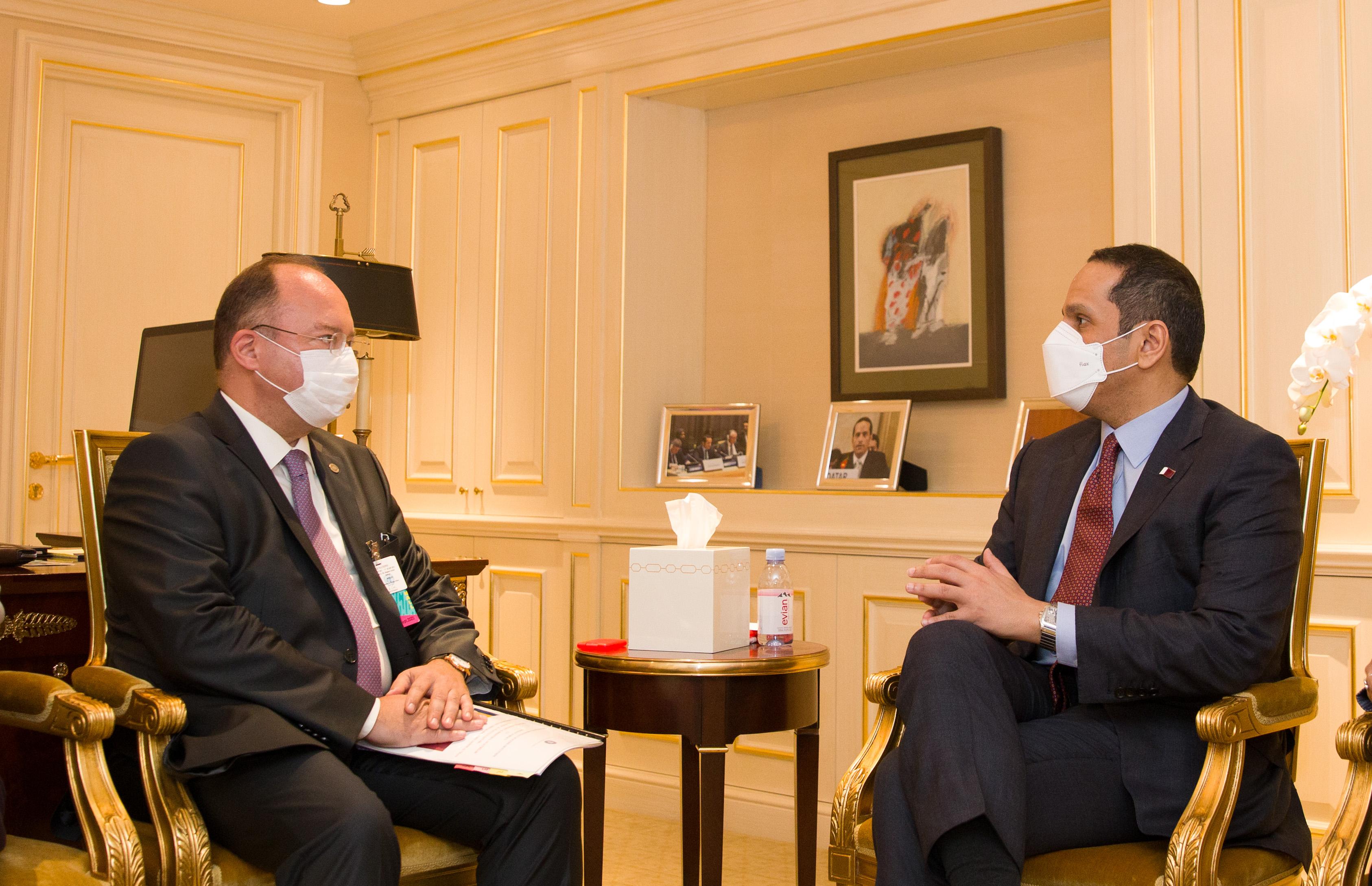 نائب رئيس مجلس الوزراء وزير الخارجية يجتمع مع عدد من المسؤولين على هامش اجتماعات الجمعية العامة للأمم المتحدة