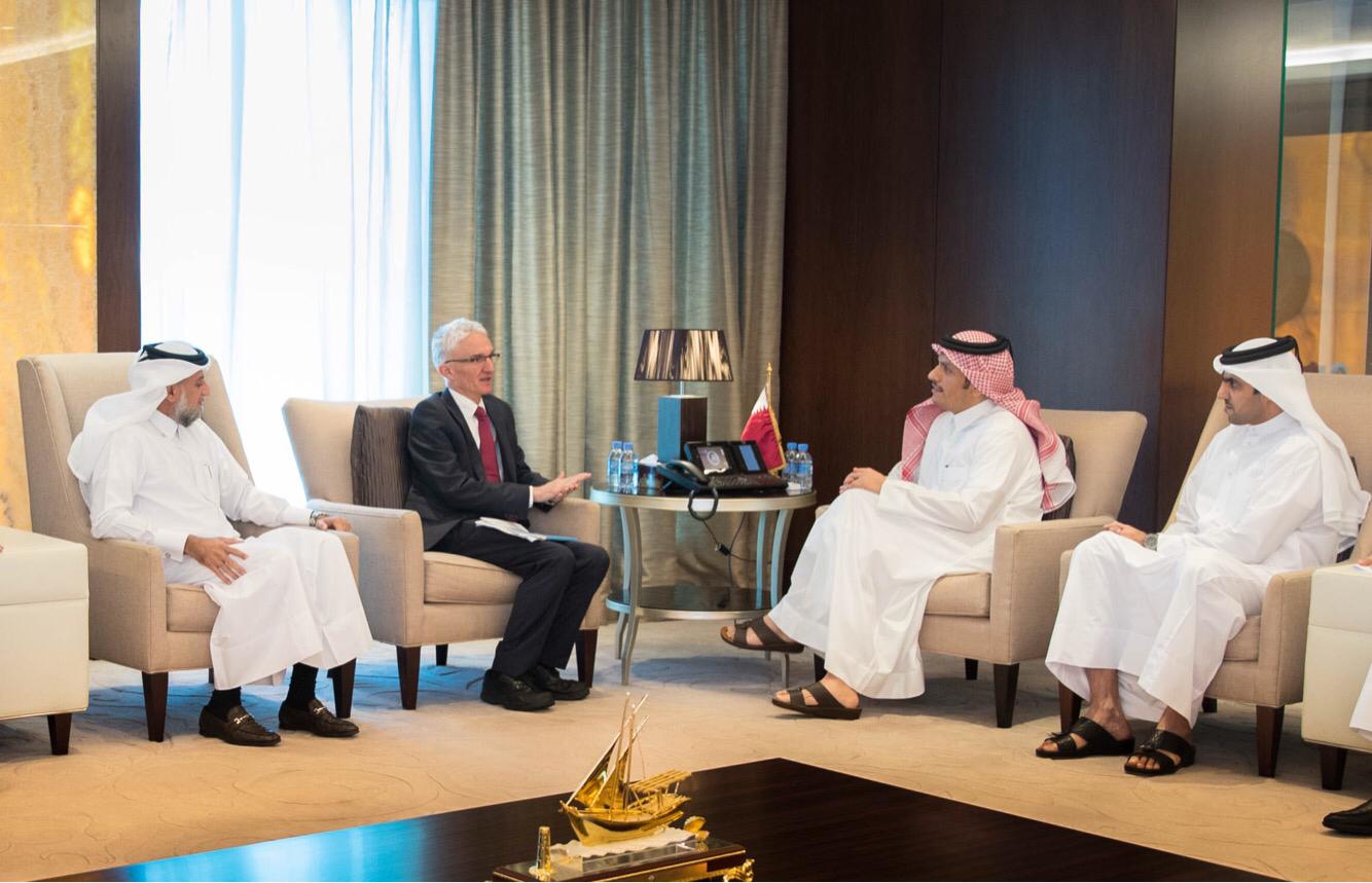 نائب رئيس مجلس الوزراء وزير الخارجية يجتمع مع مسؤولين أمميين