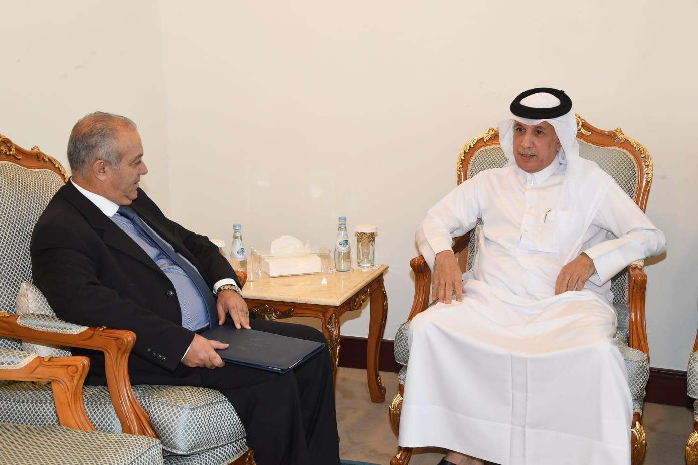 وزير الدولة للشؤون الخارجية يجتمع مع سفير قبرص