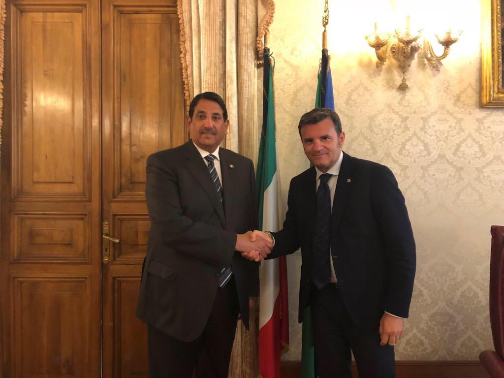 وزير الزراعة الإيطالي يجتمع مع سفير قطر