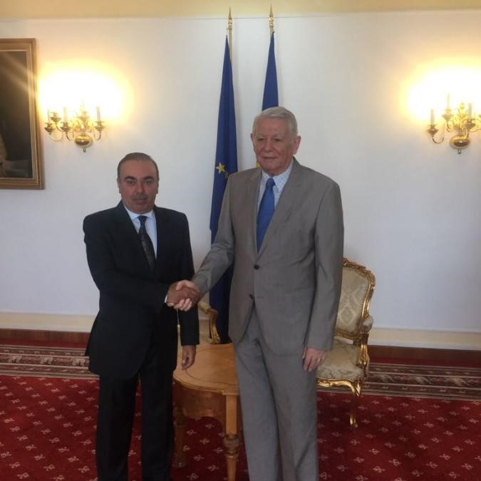 وزير الخارجية الروماني يستقبل سفير دولة قطر