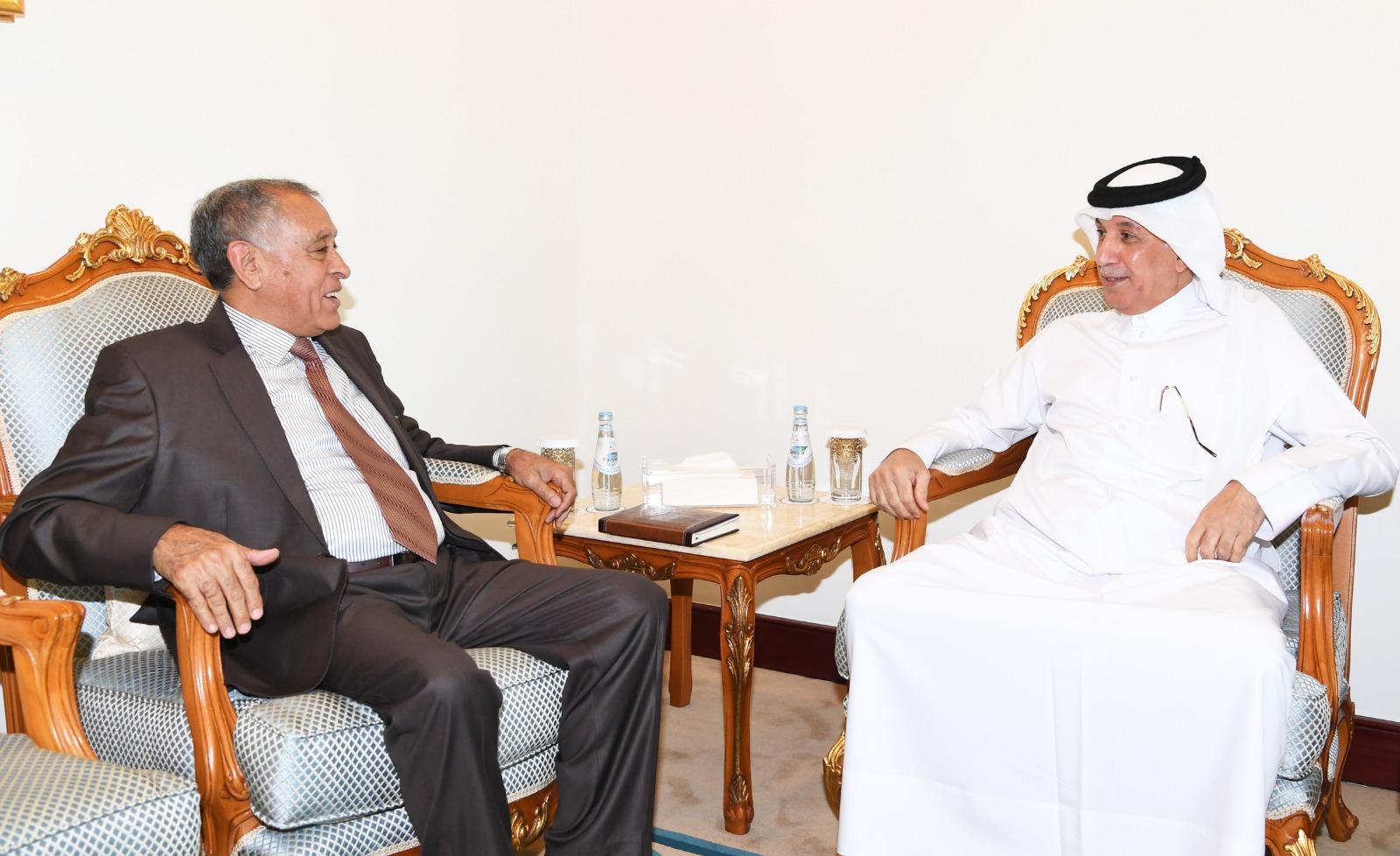 وزير الدولة للشؤون الخارجية يجتمع مع القائم بالأعمال في سفارة ليبيا