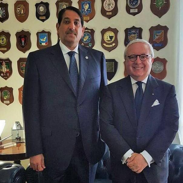 سفير قطر لدى ايطاليا يجتمع مع رئيس معهد الدراسات الدولية