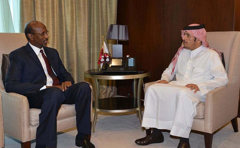 سمو الأمير يتلقى رسالة من الرئيس الصومالي