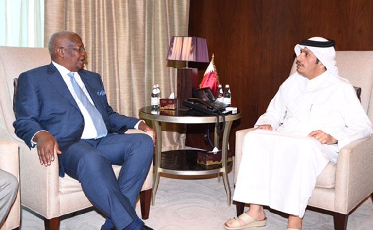 سعادة وزير الخارجية يلتقي نظيره الأوغندي