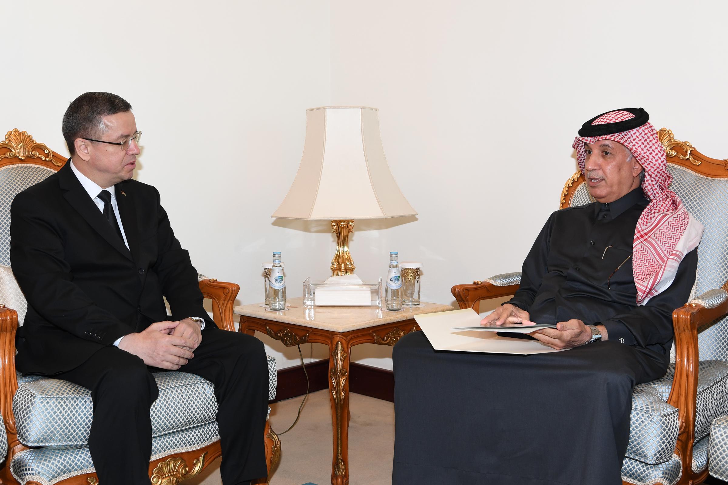 سمو الأمير يتلقى رسالة خطية من رئيس جمهورية تركمانستان