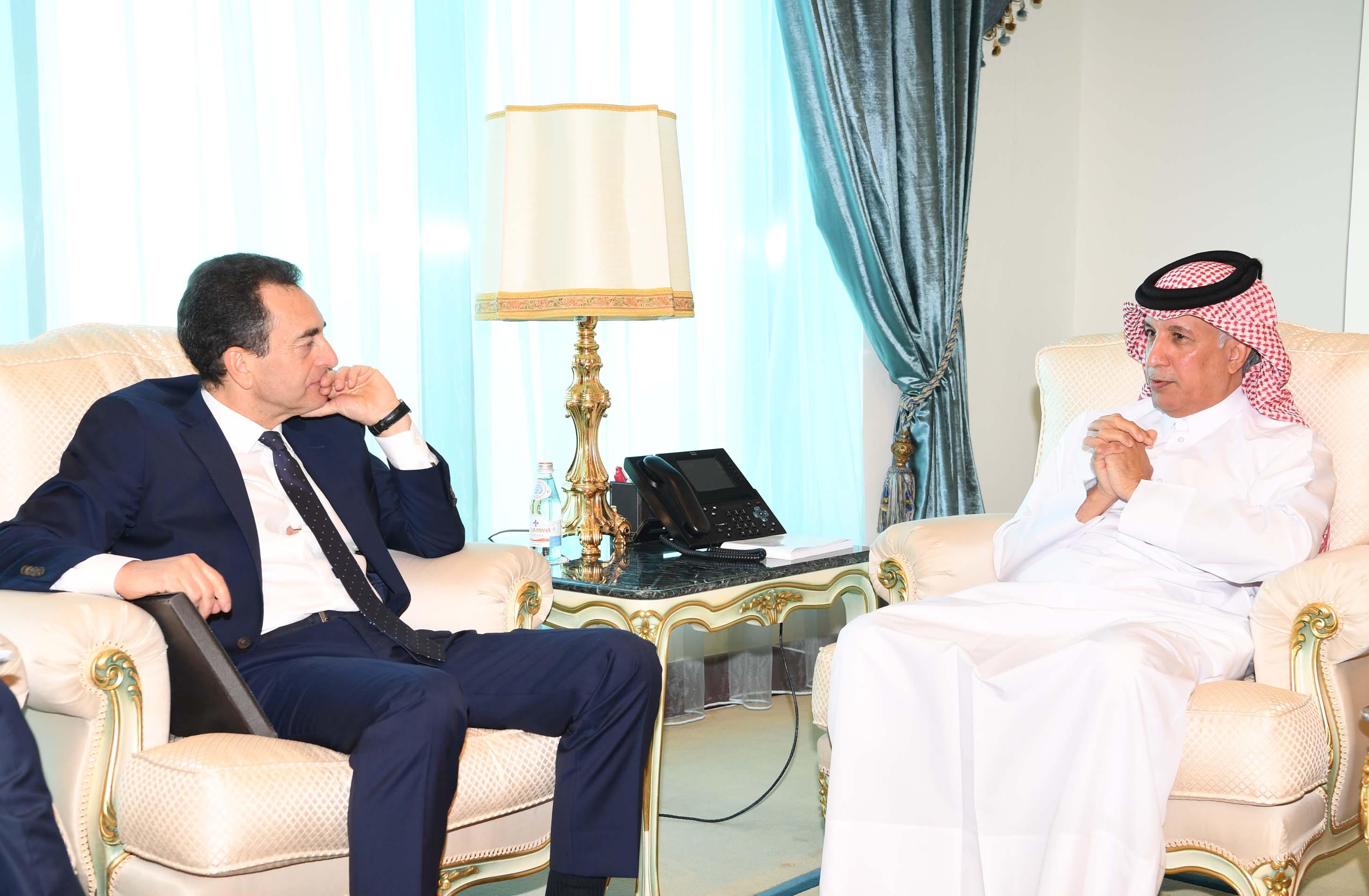 وزير الدولة للشؤون الخارجية  يجتمع مع سفير الجمهورية الفرنسية