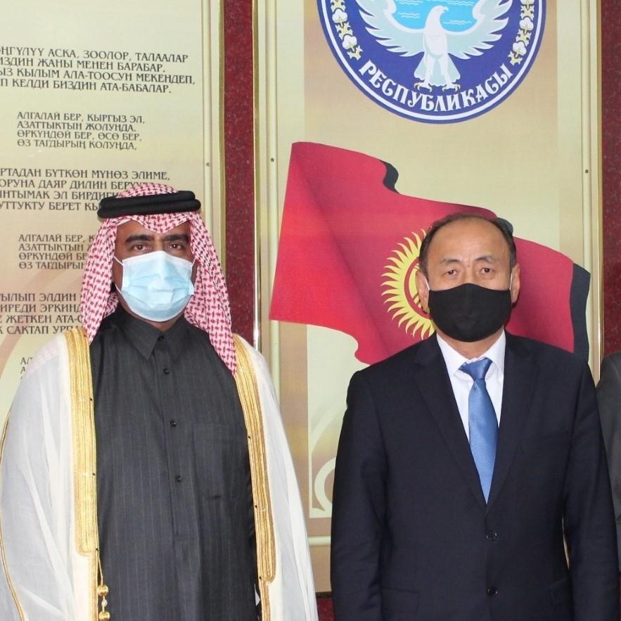 وزير الصحة بالجمهورية القيرغيزية يجتمع مع سفير دولة قطر