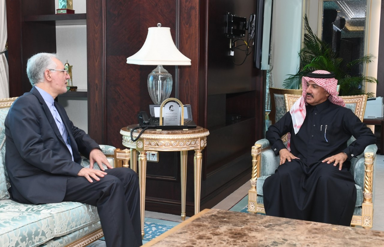 الأمين العام لوزارة الخارجية يجتمع مع السفير الإيراني