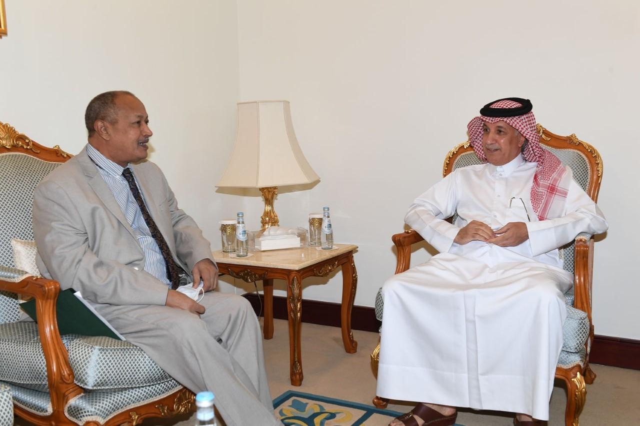 نائب رئيس مجلس الوزراء وزير الخارجية يتلقى رسالة من وزير الخارجية السوداني
