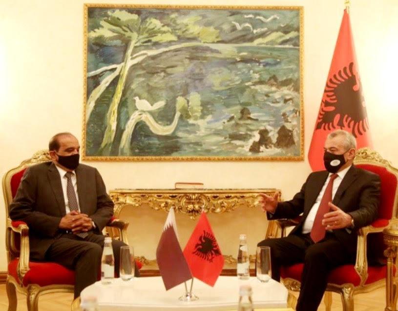 رئيس البرلمان الألباني يجتمع مع سفير دولة قطر