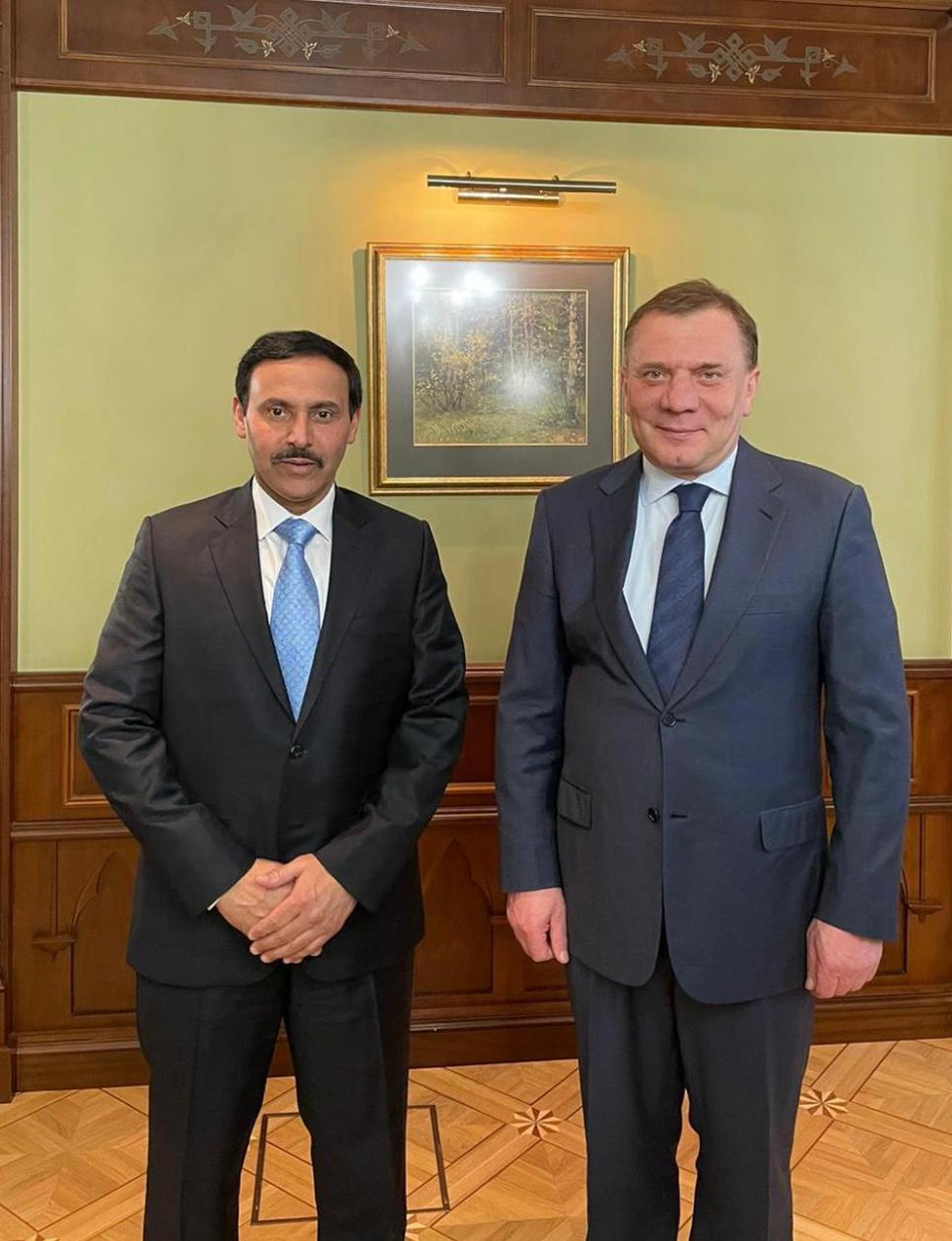 نائب رئيس الحكومة الروسية يجتمع مع سفير قطر