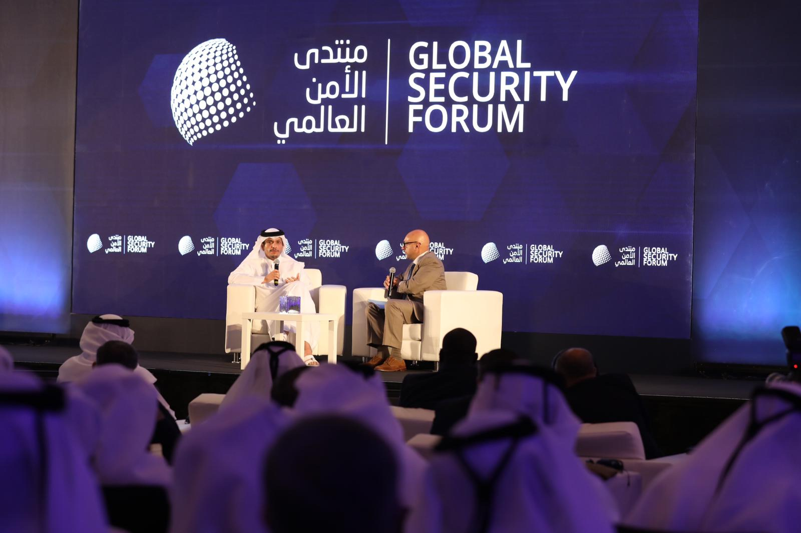 نائب رئيس مجلس الوزراء وزير الخارجية يحذر من مخاطر الأخبار المزيفة على الأمن العالمي