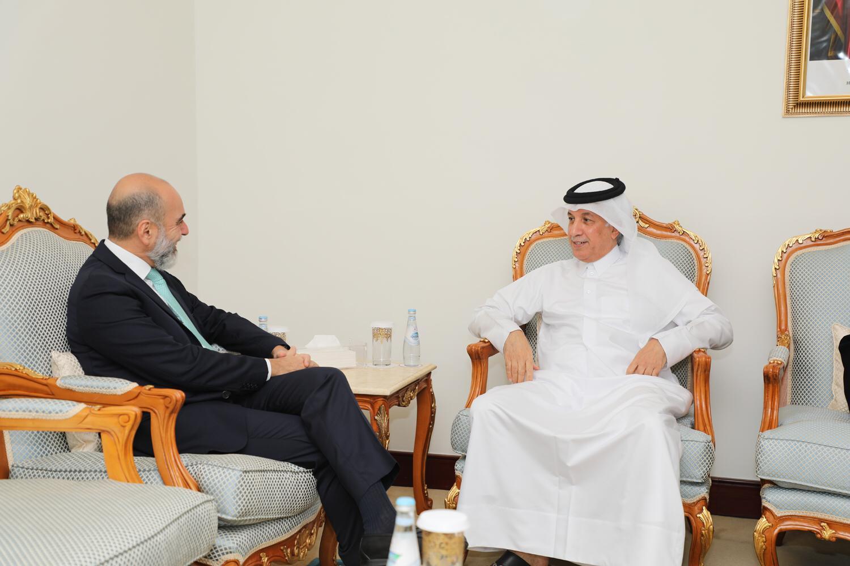 وزير الدولة للشؤون الخارجية يجتمع مع سفير البرازيل