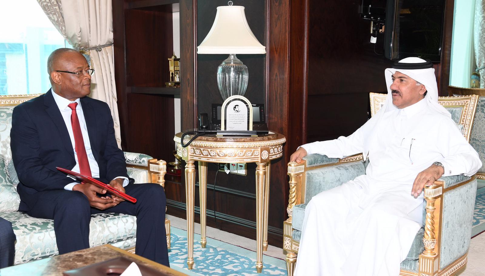 HH the Amir Receives Written Message from President of the Republic of Guinea-Bissau