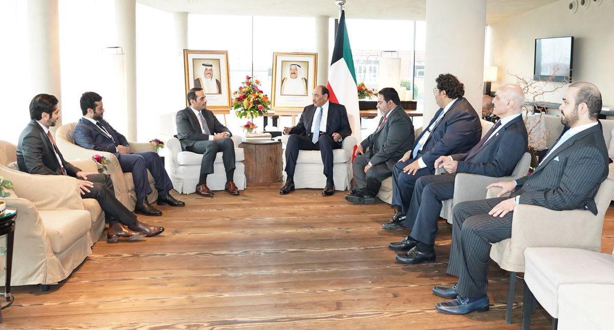 رئيس مجلس الوزراء الكويتي يجتمع مع نائب رئيس مجلس الوزراء وزير الخارجية