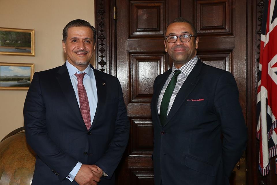 وزير شؤون الشرق الأوسط وشمال أفريقيا بالمملكة المتحدة يجتمع مع سفير دولة قطر