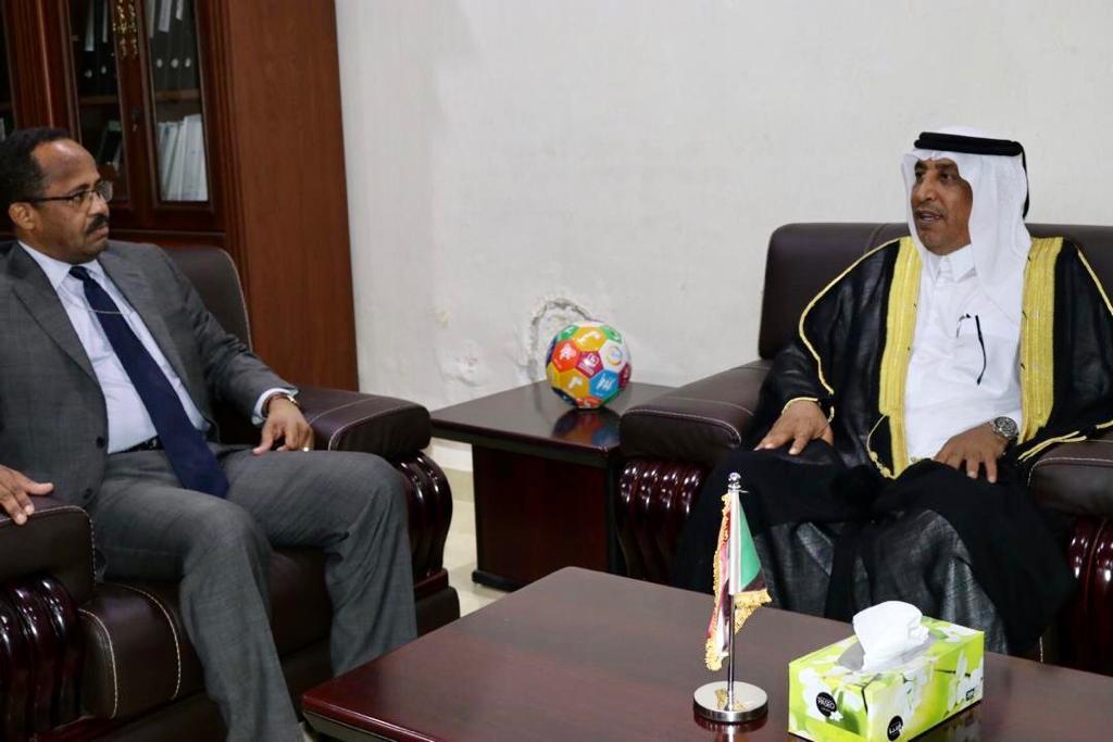 وزير الصحة السوداني يجتمع مع سفير دولة قطر