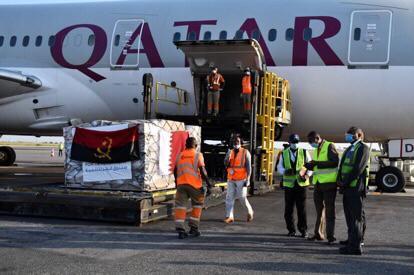 طائرة مساعدات طبية قطرية تصل إلى أنغولا