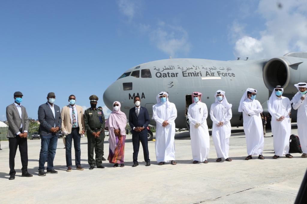 وصول شحنة مساعدات طبية عاجلة إلى الصومال