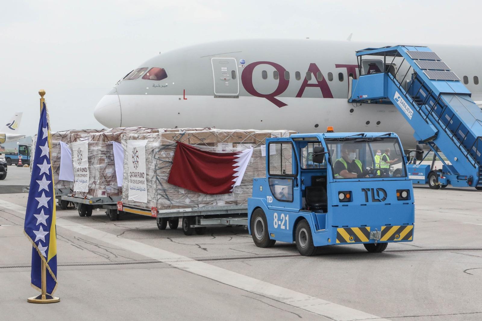 وصول شحنة مساعدات طبية عاجلة إلى البوسنة والهرسك