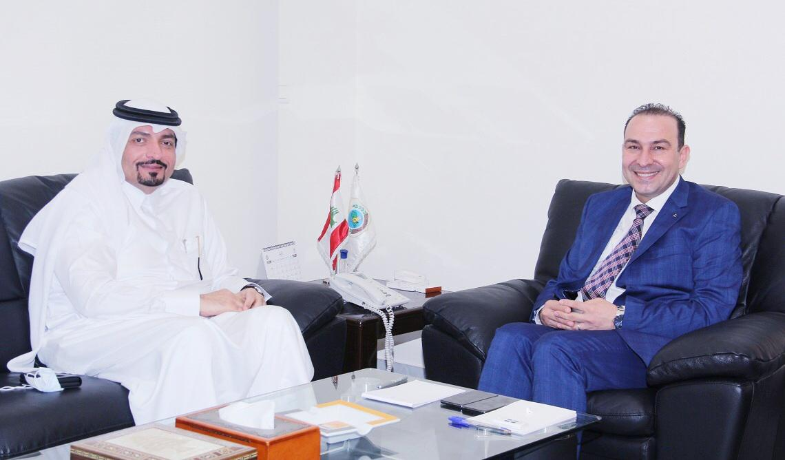 وزير الزراعة اللبناني يجتمع مع سفير قطر