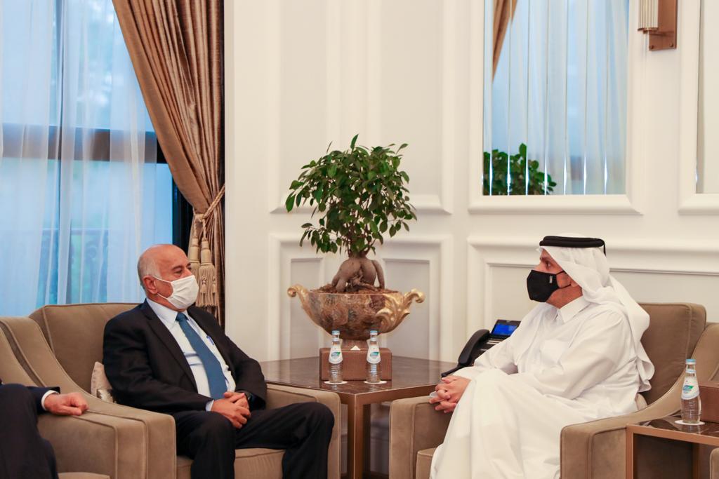 نائب رئيس مجلس الوزراء وزير الخارجية يجتمع مع أمين سر اللجنة المركزية لحركة فتح الفلسطينية