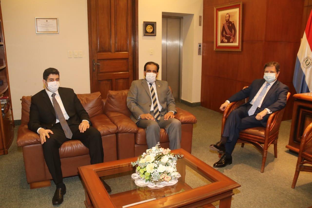 رسالة من رئيس مجلس الوزراء ووزير الداخلية لوزير الداخلية في الباراغواي