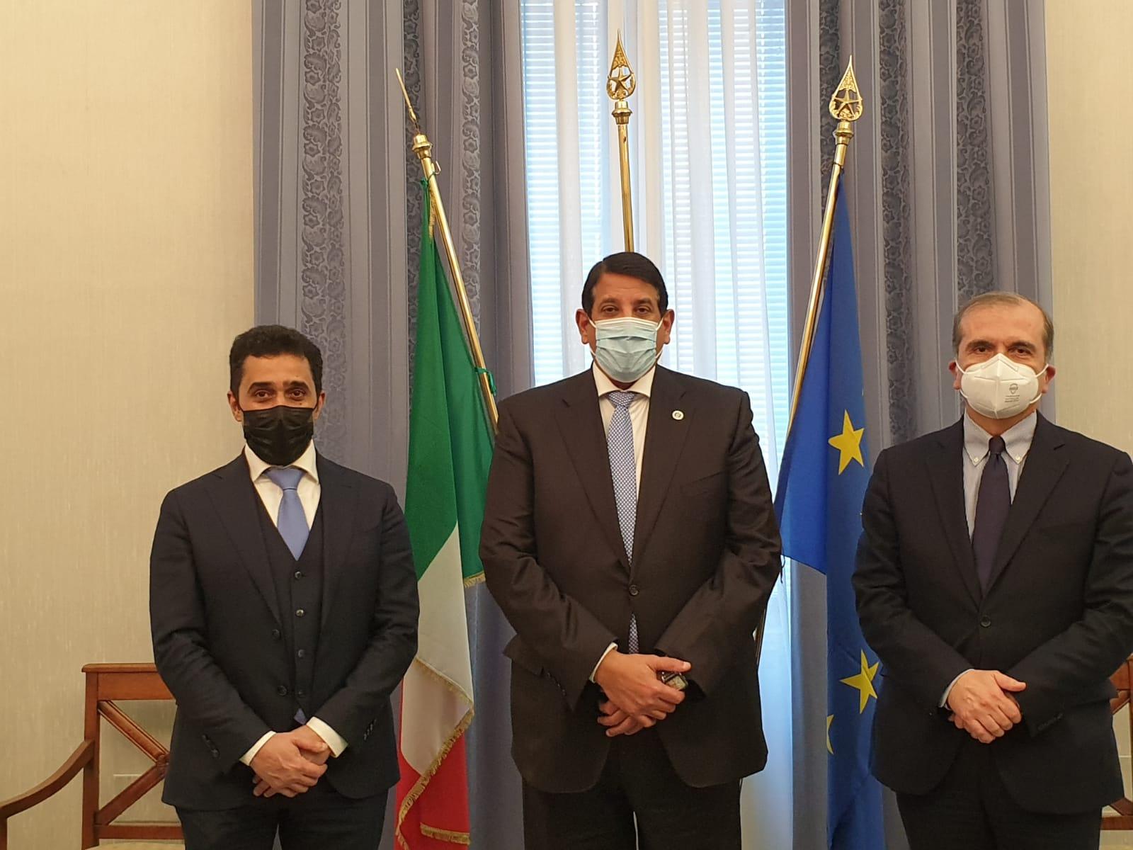 رسالة من رئيس مجلس الوزراء ووزير الداخلية لوزيرة الداخلية الإيطالية