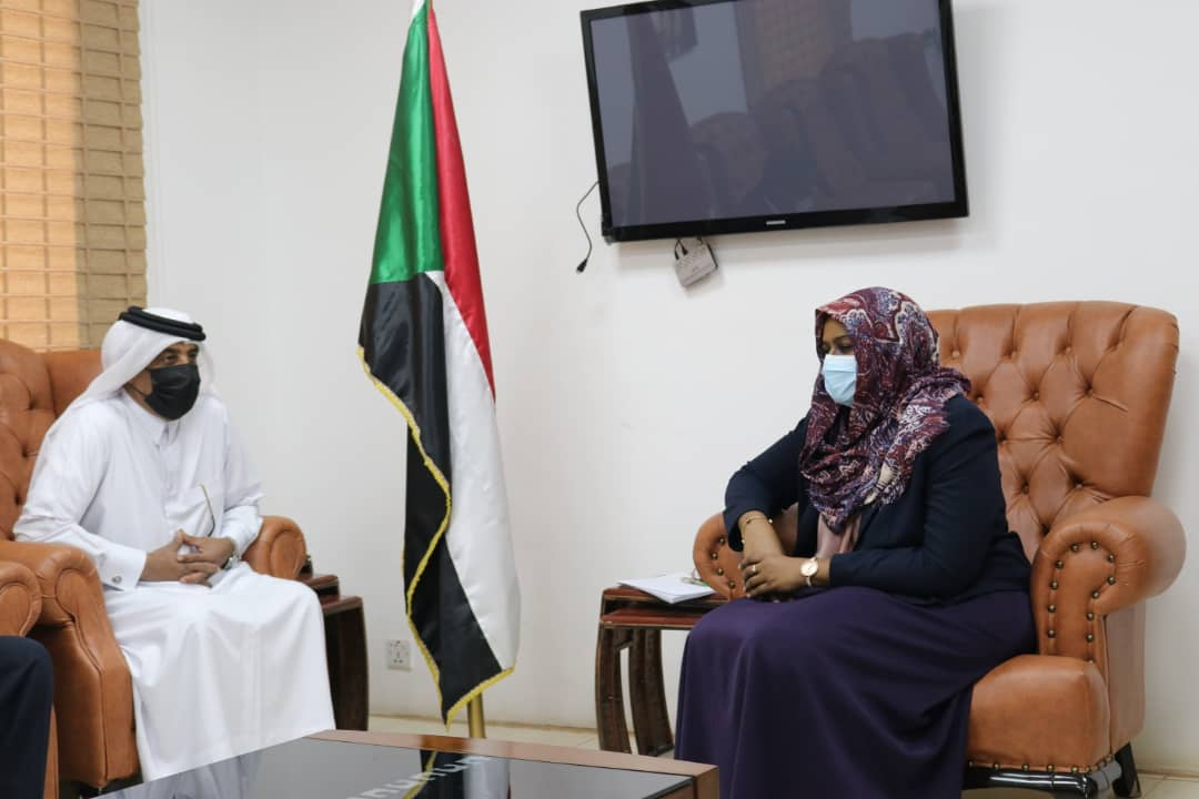 وزيرة العمل والتنمية الاجتماعية السودانية تجتمع مع سفير دولة قطر