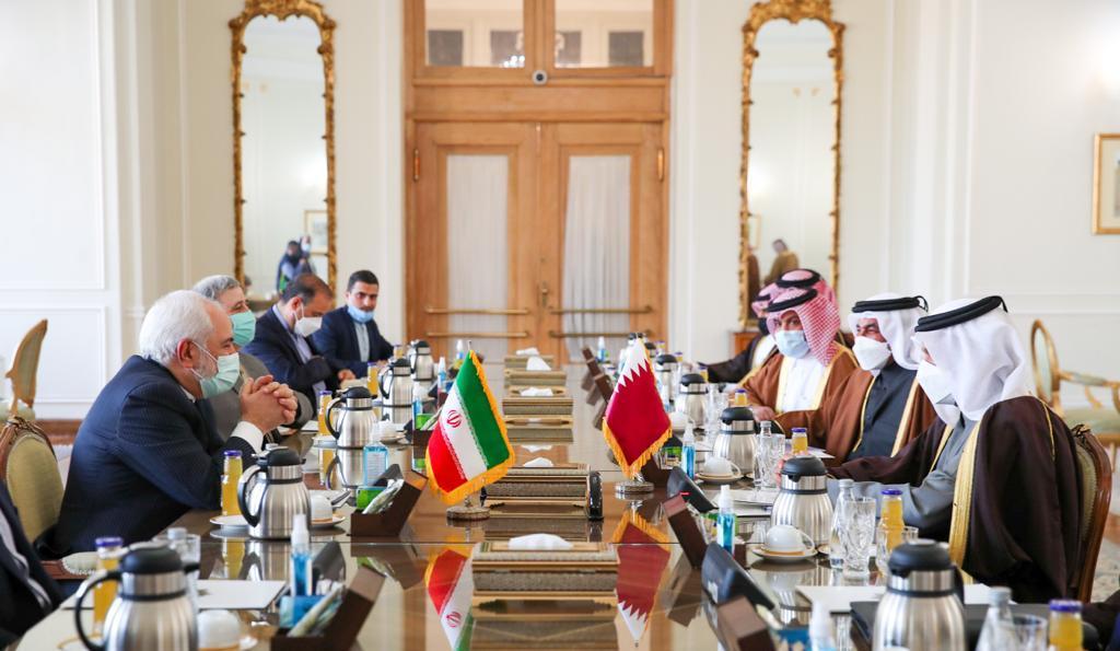 نائب رئيس مجلس الوزراء وزير الخارجية يجتمع مع وزير الخارجية الإيراني