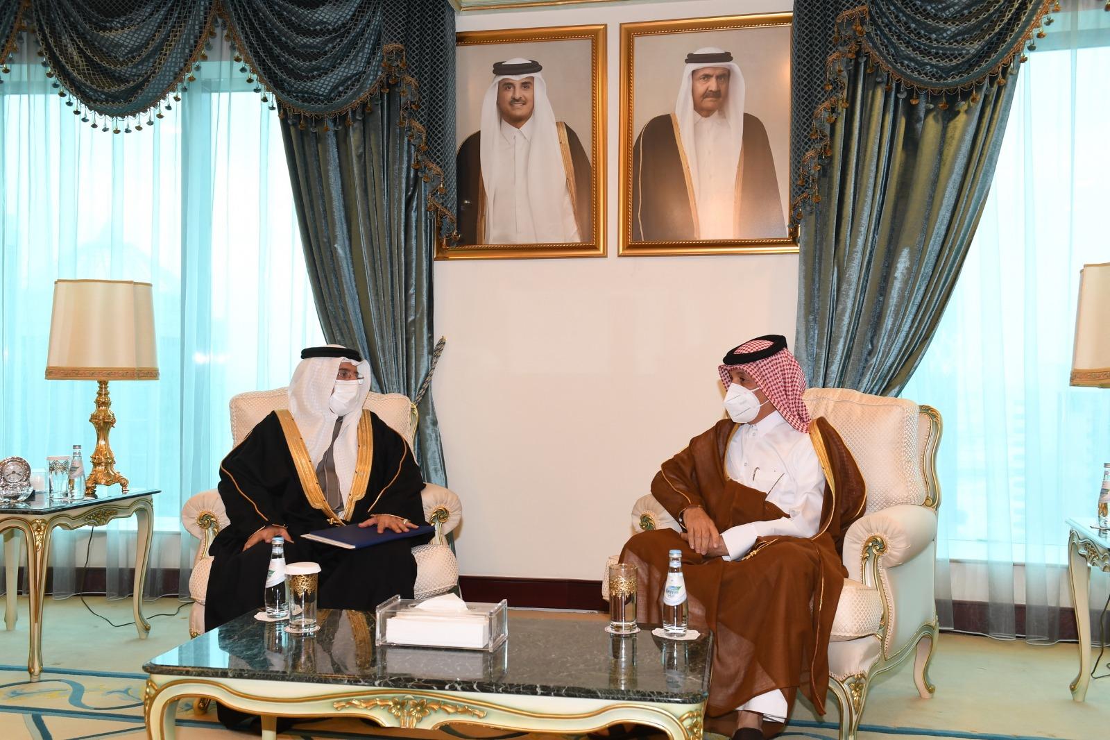 نائب رئيس مجلس الوزراء وزير الخارجية يتلقى رسالة خطية من وزير الخارجية بمملكة البحرين