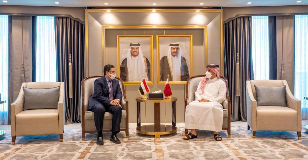 نائب رئيس مجلس الوزراء وزير الخارجية يجتمع مع وزير الخارجية اليمني