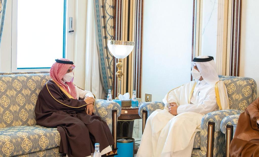 نائب رئيس مجلس الوزراء وزير الخارجية يجتمع مع وزير الخارجية السعودي