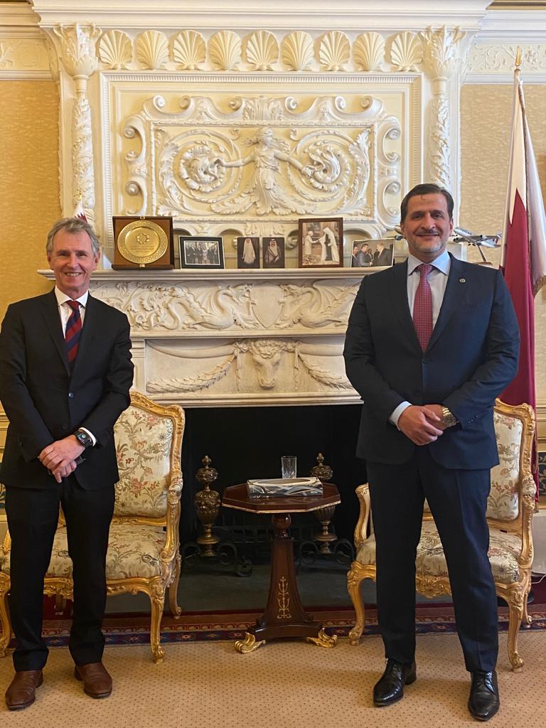 سفير دولة قطر يجتمع مع نائب رئيس مجلس العموم البريطاني