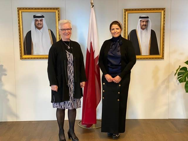 النائب الأول لرئيس البرلمان بمملكة السويد تجتمع مع سفيرة دولة قطر