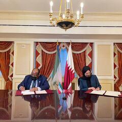 دولة قطر وجمهورية غينيا الاستوائية توقعان بيانا مشتركا لإقامة علاقات دبلوماسية
