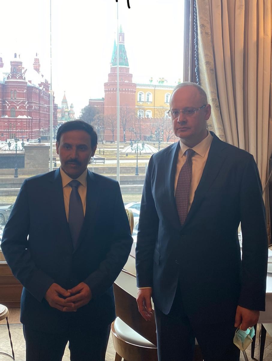 مستشار الرئيس الروسي يجتمع مع سفير قطر
