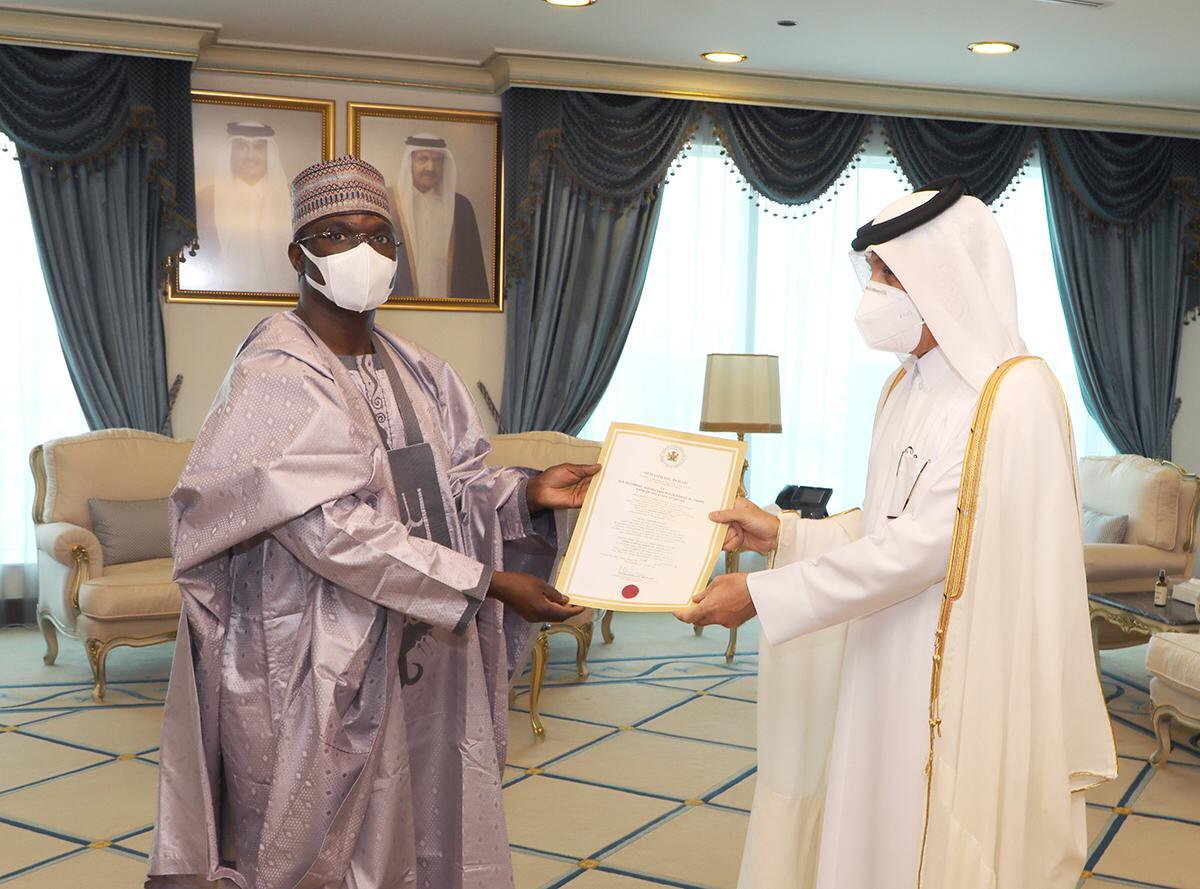 وزير الدولة للشؤون الخارجية يتسلم نسخة من أوراق اعتماد سفير نيجيريا
