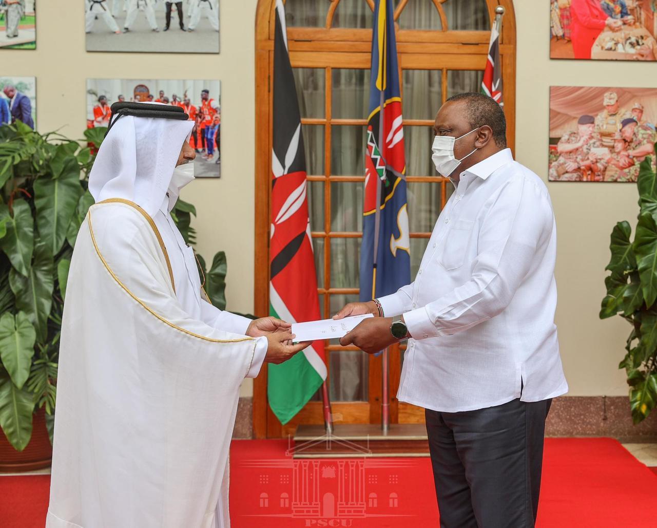 سمو الأمير يبعث رسالة خطية إلى الرئيس الكيني