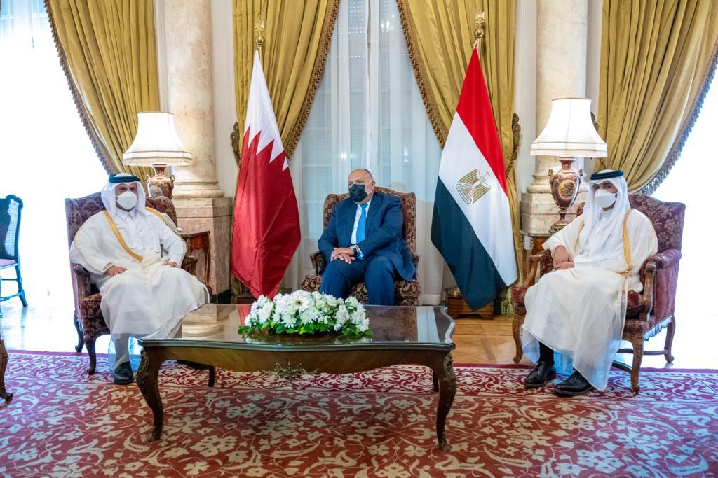 نائب رئيس مجلس الوزراء وزير الخارجية يجتمع مع وزير الخارجية المصري