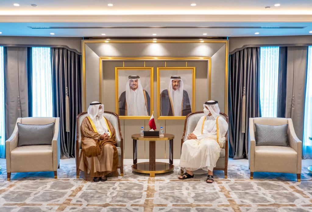نائب رئيس مجلس الوزراء وزير الخارجية يجتمع مع الأمين العام لمجلس التعاون الخليجي