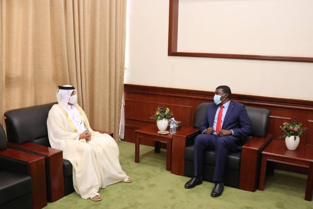 عضو مجلس السيادة الانتقالي في السودان يجتمع مع سفير  قطر